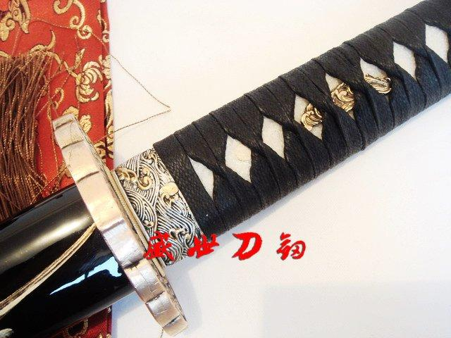 Battle Ready Clay Tempered Folded Steel Japanese Samurai Katana Silver Wave Tsuba Sharpened Blade